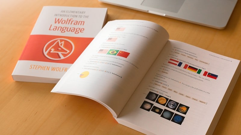 Stephen Wolfram Scrapbook. 2015: Wolfram Language: an elementary book...