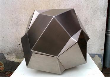 Borromean ring sculpture