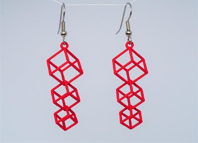Dangling cubes earrings