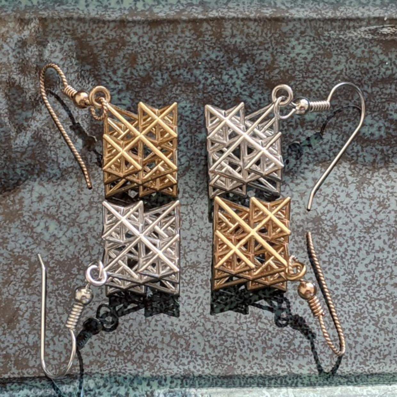Koch tetrahedron earrings